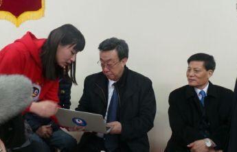 腾讯大豫网首创微信语音播报两会 人大代表盛赞