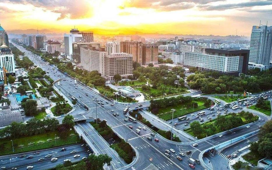 促进城市群和都市圈的同城化