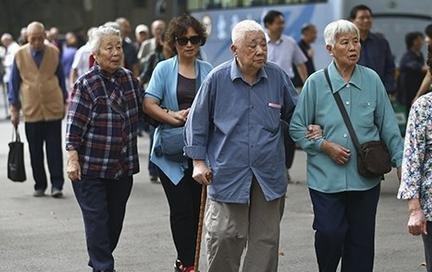 今年按平均5.5%水平继续上调养老金
