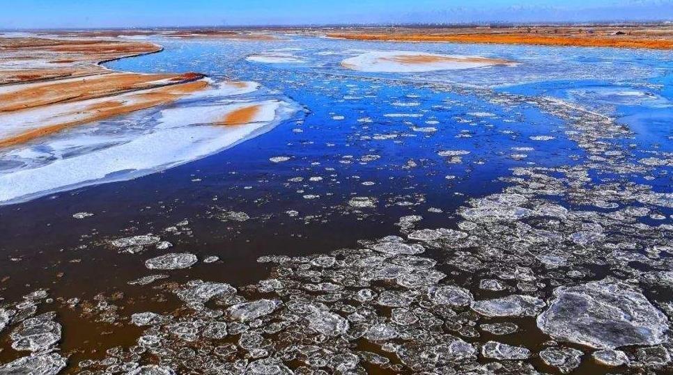 内蒙古河段首现流凌,黄河进入凌汛期