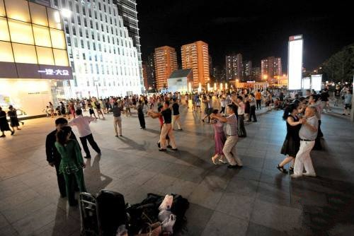多地为广场舞立规 北京广场舞扰民或受治安处罚