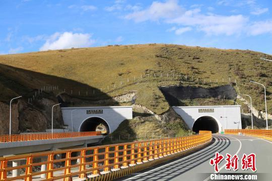 青海省试点高速公路差异化收费 最高享七折