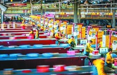 北京多所高校试点快递纸箱回收 回收后直接进造纸厂