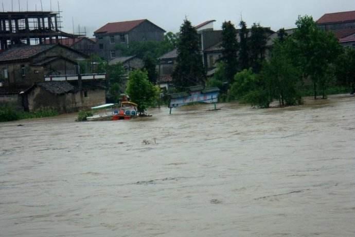 防汛救灾途中3干部落水失联已60多小时 搜救仍在继续