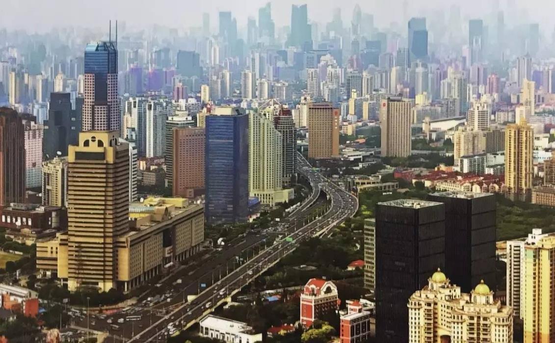"""从市郊小镇到开放""""大枢纽""""上海虹桥架起未来之桥"""