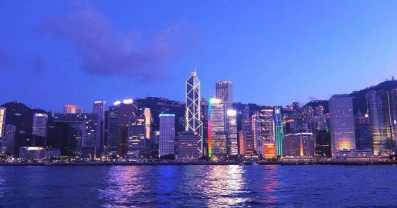 """香港""""一桥一铁""""多举措保障春节旅客出行顺畅"""