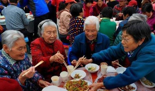中国老年人口已达2.41亿人 占总人口的17.3%