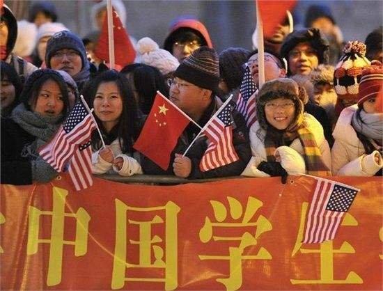 调研:中国留学生更愿意归国就业 更愿意读商科