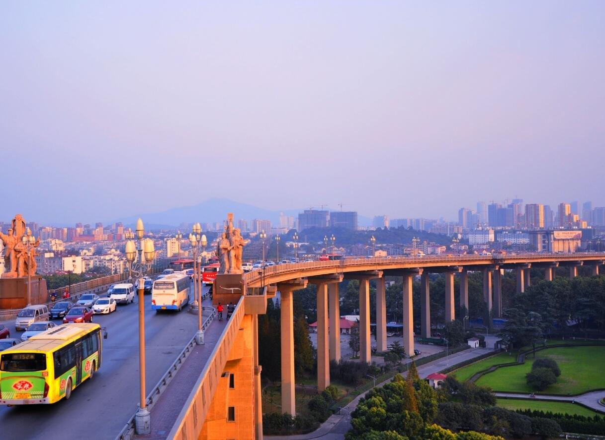 外地毕业大学生去南京找工作可包住宿