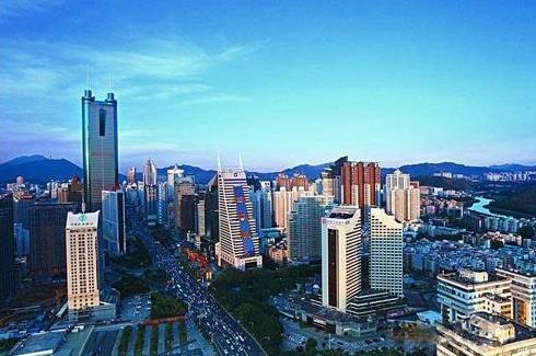 格尔木:立足区位优势 力促城市转型升级发展
