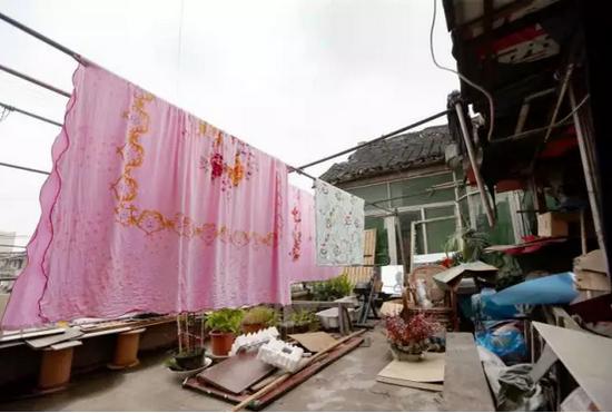 上海最牛钉子户坚守14年:一份钱没多拿