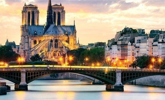 法国大巴黎地区今年上半年游客量创10年来新高