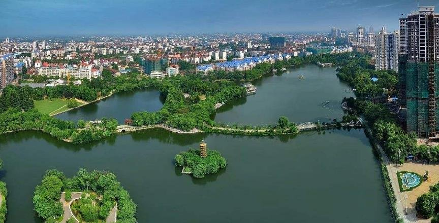 用哲学社会科学引领城市发展