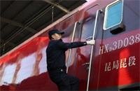 """春运来了 火车司机更""""火了"""""""