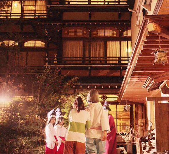 《千与千寻》汤屋拍摄的高质量COS照走红