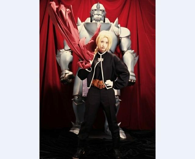 霸气现身 SKE48前成员松井玲奈COS《钢炼》豆丁