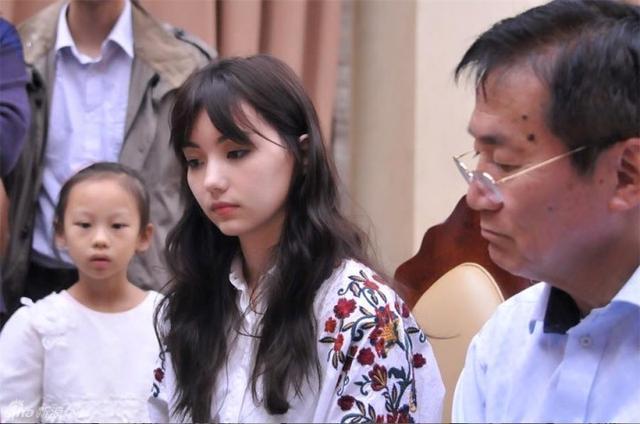 台湾围棋美女被指酷似雨宫天 中澳混血极度恋父