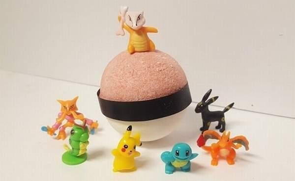 小黄鸭过气啦!精灵球才是最棒的洗澡玩具