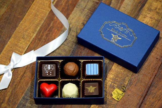 《黑执事》卖狗粮了!赛巴斯&夏尔巧克力甜到入心