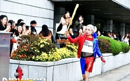 """辣眼睛!韩国欧巴COS""""小丑女""""哈莉•奎茵"""