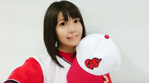 竹达彩奈扮棒球女神发球萌力四射