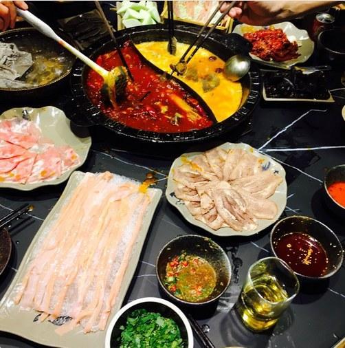《你的名字》将登陆红白 新海诚在北京吃火锅很嗨