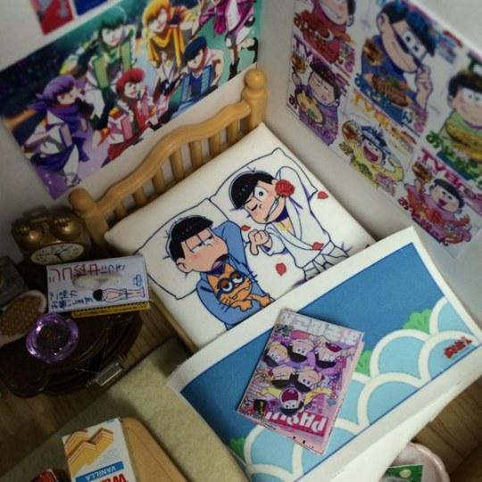 日本网友用玩具森林家族设计《阿松》粉丝房间