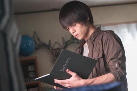 《小册子》日剧版收视率再创新低