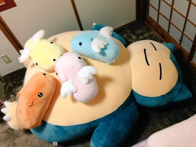 好想在卡比兽的巨大抱枕上睡懒觉