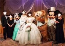 勇敢做自己 岛国女同在迪士尼结婚引关注