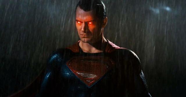 扎导称《蝙蝠侠大战超人》应该更黑暗