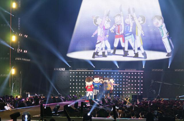 《阿松》六子现身日本时装节,T台炸裂
