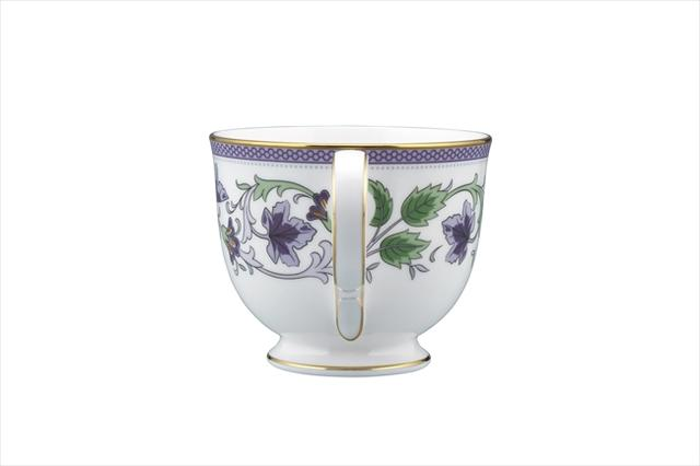 《EVA》推出高档茶杯&杯托套装