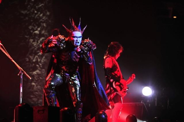 重口味VR乐队圣饥魔II演唱《火星异种》主题曲