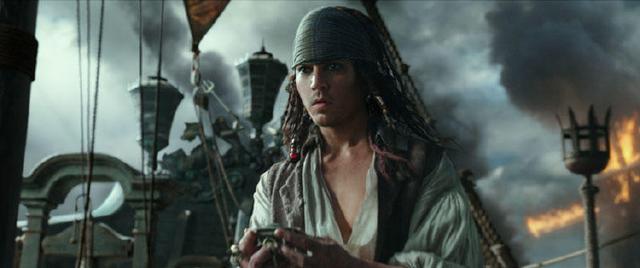 杰克船长返老还童《加勒比海盗5》曝光新剧照