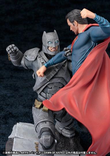 要买就要买一对?蝙蝠侠大战超人手办面世