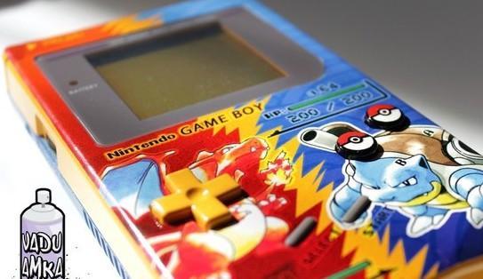 手工达人自制《生化危机》风格GameBoy卡带