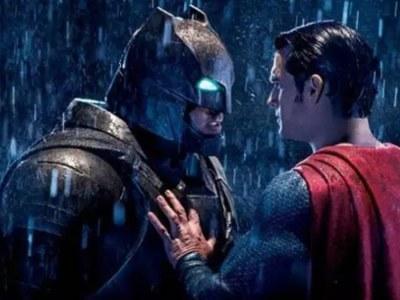 《蝙蝠侠大战超人》首映:好看到爆!