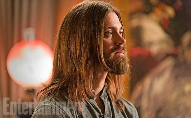 《行尸走肉》第七季曝剧照 耶稣帅气露侧颜