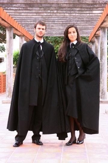 葡萄牙某大学制服神似巫师袍