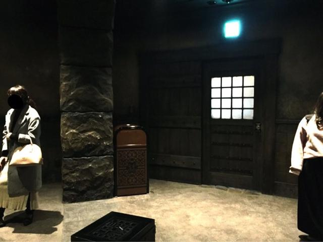 日本迪士尼海洋吸烟室酷似格斗场 宅宅舍不得离开