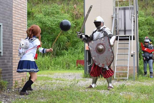 日本举行COSPLAY生存游戏 舰娘大战中世纪骑士