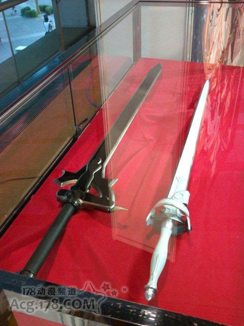 《刀剑神域》全卷购入特典附送双剑
