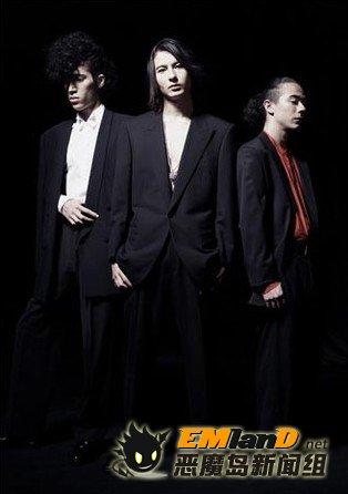 日法乐队演唱《BLOOD-C》主题歌