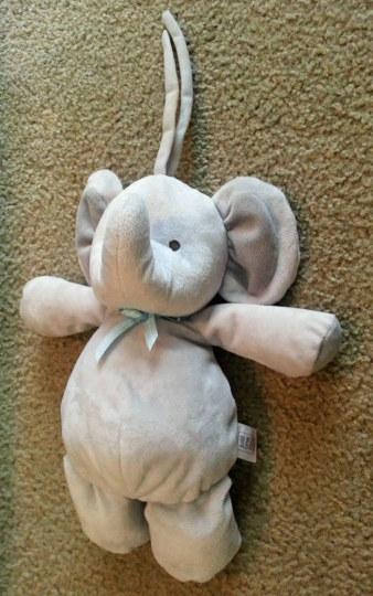 男孩的大象不见了,朋友用PS安慰他