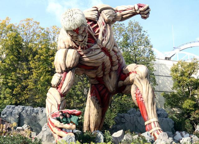 《进击的巨人》铠之巨人像在USJ首度亮相