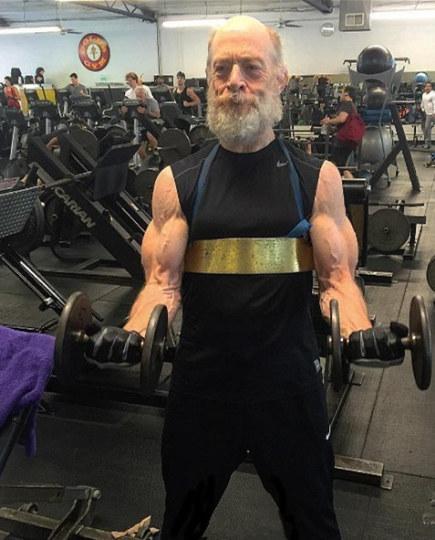 """62岁演员为《正义联盟》练成""""肌肉男"""""""
