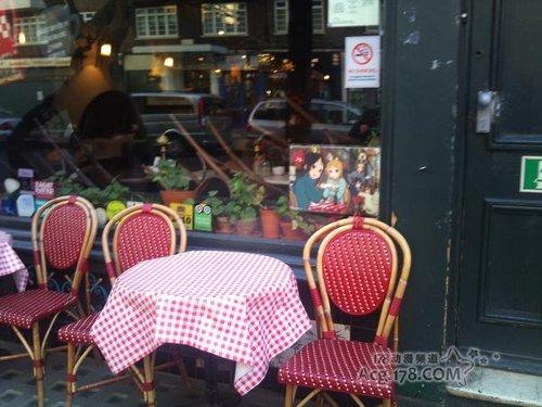 伦敦咖啡馆用《轻音》剧场版宣传