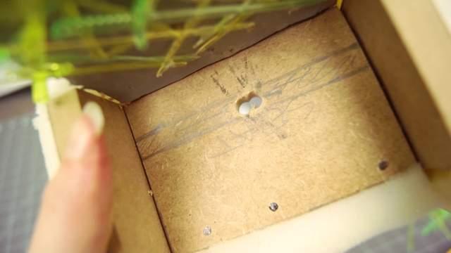 《权力游戏》铁王座太抢手 网友用水果签做了一把