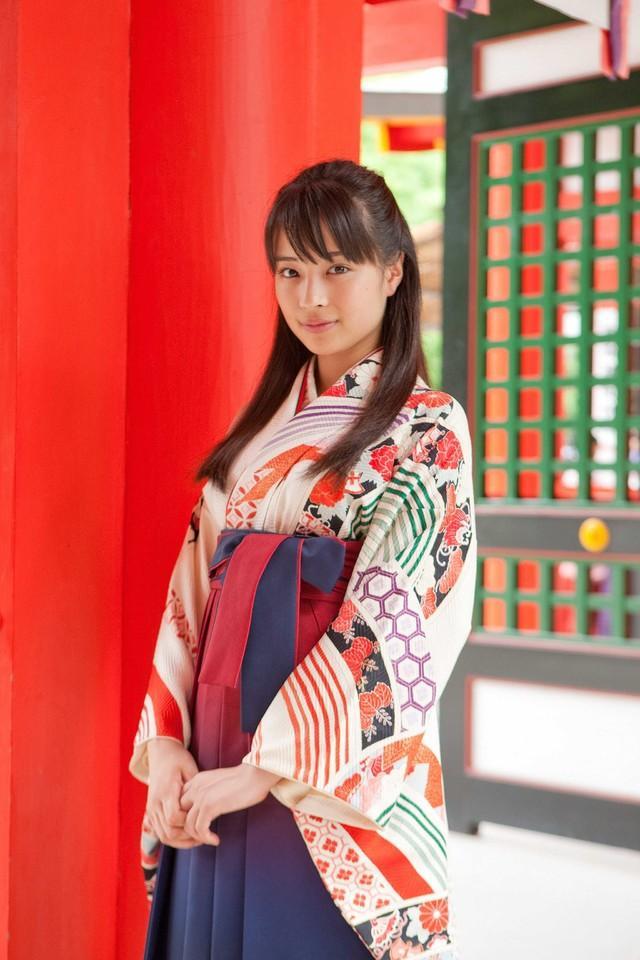 真人电影版《花牌情缘》近江神宫外景拍摄